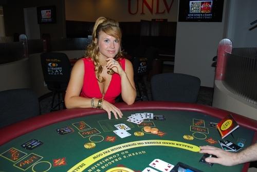 Cómo jugar el Pay Gow Póker