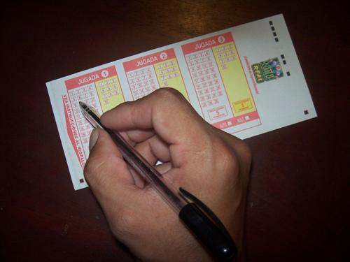 Cómo jugar la Súper Lotto Real